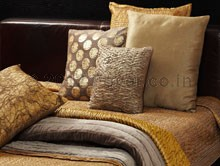 REVESI BLE   QUILTED  BEDSPREAD